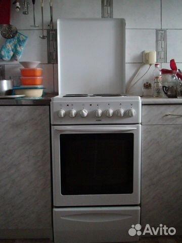 Четырехкомфорочная электрическая плита mora.  Щёлкните для просмотра следующей фотографии.