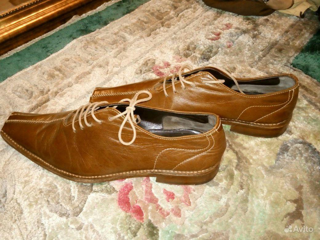 Туфли к бежевому платью фото