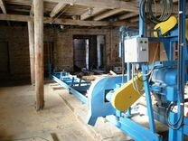 Подрамщик, рабочие в деревообрабатывающий цех