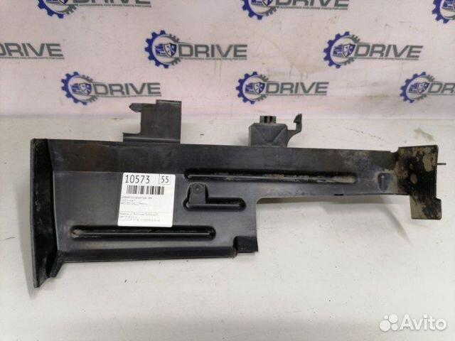 89270165946  Дефлектор радиатора левый Ford Focus 3