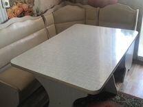 Кухонный уголок + стол кухонный, сиденья в уголке