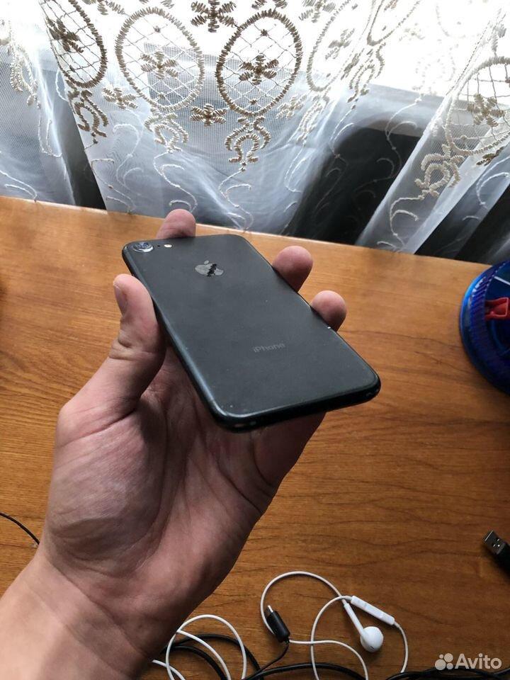 Телефон iPhone 7 32гб